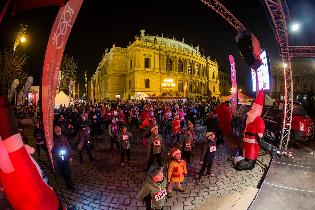 Christmas Night Run Praha b .jpg